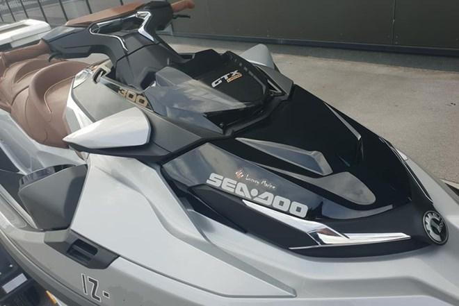 VODNI SKUTER SEA DOO GTX 300 - LIMITED - salonsko testni - 2019 - 31 sati - PRODAM