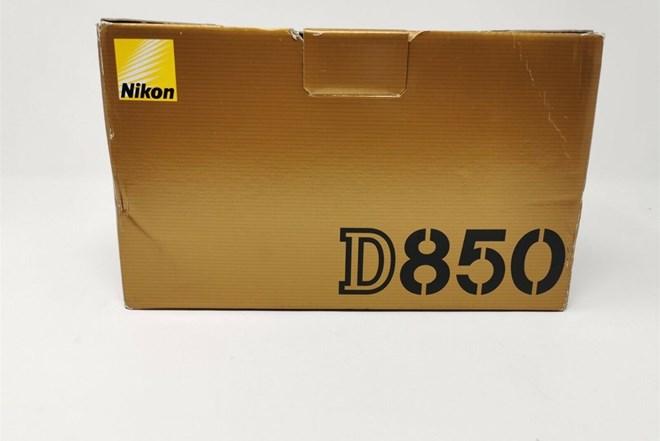 Nikon D850 dslr 45.7MP Camera body