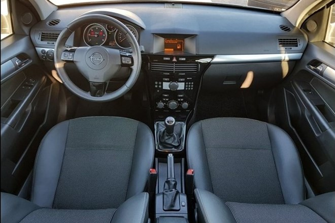 Opel Astra Cosmo Sport