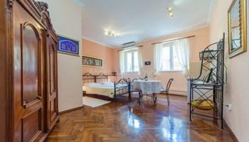 Dubrovnik, apartmani u staroj gradskoj jezgri, 116m2