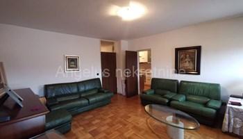 Zagreb, Ravnice - odličan stan 73m2 s balkonima i prekrasnim pogledom