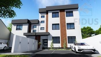 Četverosoban stan s dvorištem i parkingom - Donji grad