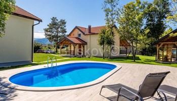 Ogulin, Plaški, Janja Gora, luksuzne kuće sa bazenom