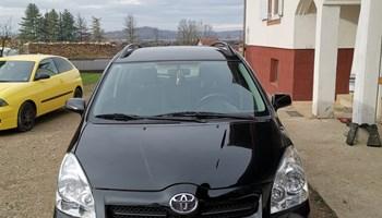 Toyota Corolla Verso 2.2D-4D