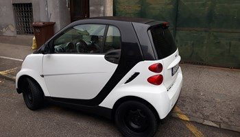 Smart fortwo coupe 1.0 ......77000 km