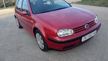 VW Golf IV 1,4 u dobrom stanju klima,nove gume,