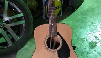YAMAHA F310 Akusticna gitara