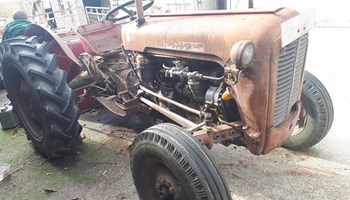 Prodajem Traktor IMT
