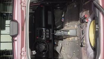 Kemijsko/dubinsko čiščenje interijera vozila