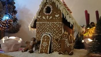 Izrada i prodaja kućica od medenjaka / gingerbread house