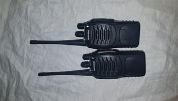 Baofeng radio stanice 2 malo koristene idu sa 2 punjaca