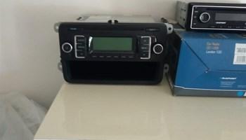 Auto radio kao novo,ispravni!!!