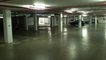 Iznajmljujem garažno parkirno mjesto - ul. Lonjička 2