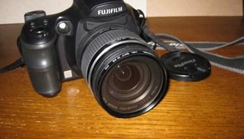 Digitalni fotoaparat FUJI FinePix S6500fd