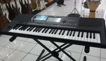 Korg PA600 Professional 61-Key Arranger