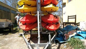 Prikolica za prijevoz kajaka i kanua