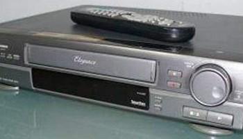 JVC VHS videorekorder, 5 glava, lp/sp, 2 scarta, bočne strane kao lakirano drvo, daljinski, nekorišten, potpuno ispravan
