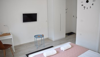 Soba u centru Zagreba REŽIJE UKLJUČENE