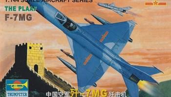 Maketa avion Fighter Chengdu J-7MG/F-7MG 1/144