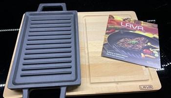 Tava od gusa za grill Lava + daska za rezanje/serviranje, novo, zapakirano