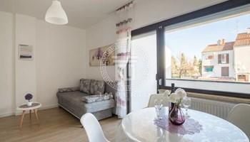 Apartman s balkonom u Fažani