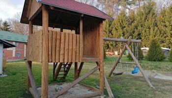 Drvena kucica za djecu