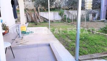 KMAN - DVOSOBNI STAN - dvorište/vrt/terasa - prodaja