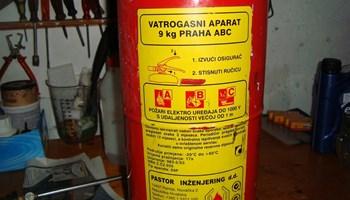 vatrogasni aparat 9kg