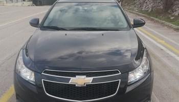 Chevrolet Cruze 1.6 LS + Plin