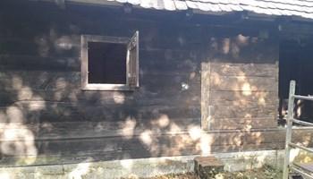 Uređujemo i obnavljamo stare drvene kuce...brusenje lakiranje itd