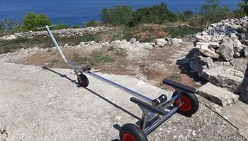Ručni trailer od inox A4 za gumenjak / brod