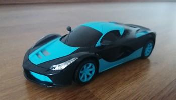 Auto na daljinski LED plavi i zeleni