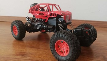 Monster auto na daljinski crveni i plavi