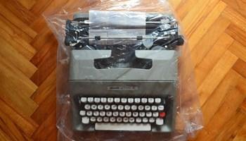 Pisaća mašina Olivetti Lettera 35l, nekorištena