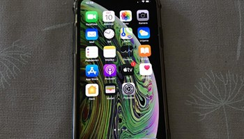 Iphone xs 64gb space grey odlicno stanje