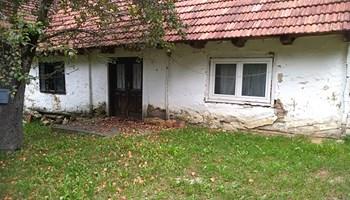 Stara hrastova kuća za preseljenje