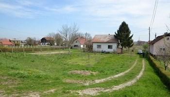 AKCIJA!! Obiteljska kuća s čak 5400 m2 okućnice - Rugvica - ZG županija