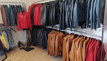 Prodajem novu kolekciju ženskih kožnih jakni od prave janjeće kože za sezonu 2020/2021