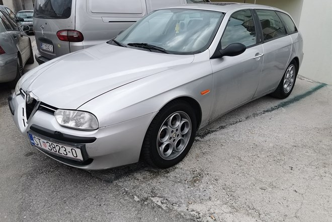 Alfa Romeo 156 2.5 V6 2001GOD.PLIN reg.do18. 04.2020god.