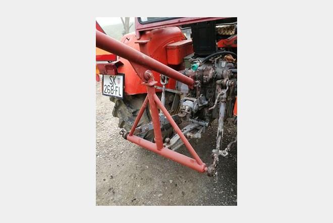 Traktorska rema za svinje