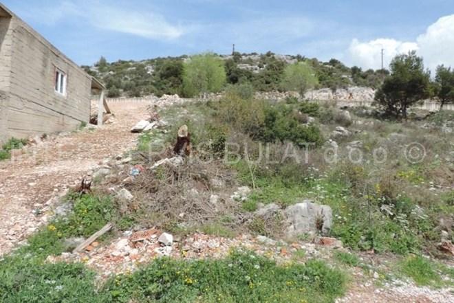 .::: Građevinsko zemljište 620m2 na Meterizama :::.