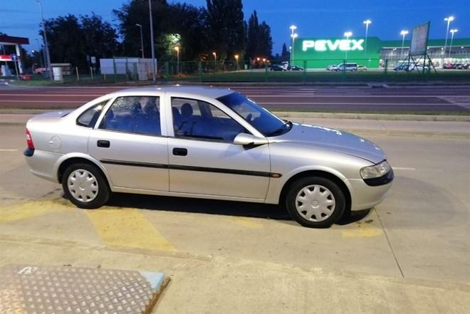 Opel Vectra 1,6 I 10/09/2021. REG
