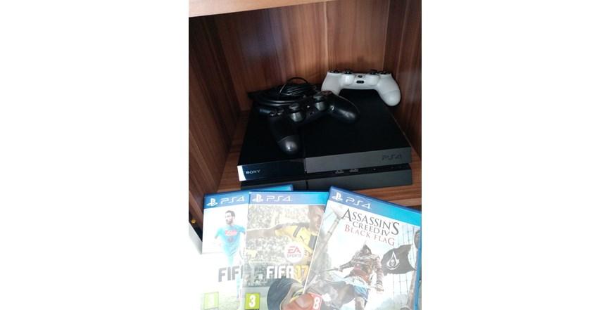 PS4 - malo korišten-Hitno!!
