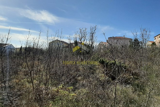 Novi Vinodolski, GRAĐEVINSKO ZEMLJIŠTE 523 m2