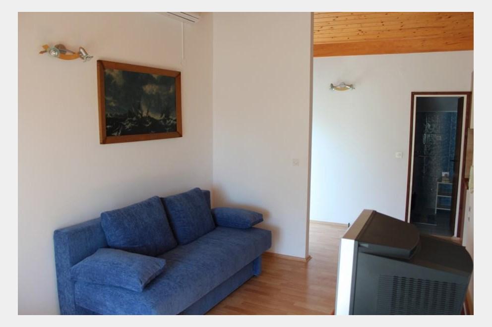 Srima (Vodice) apartman 2+2   INDEX OGLASI