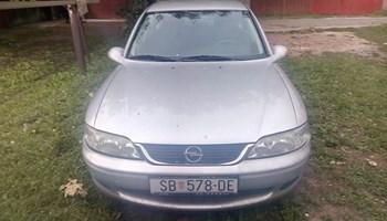 Opel Vectra 1,6 i 8 ventila