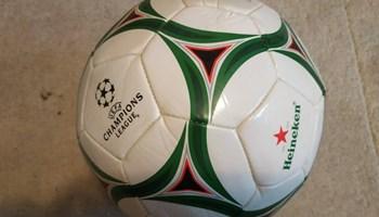 Lopta za nogomet 30 kn
