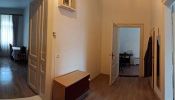 Osijek, centar, Zrinjevac - najam trosobnog komfornog stana