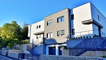 Malinska, moderna, atraktivna, dvojna kuća na odličnoj lokac