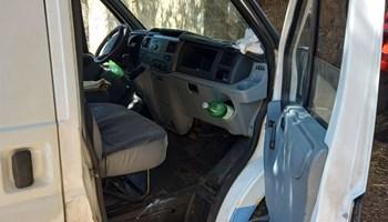 Prodaje se Ford Tranzit 2.4 u vrlo dobrom stanju, može zamjena za mali kamion - otvoreni s ceradom...